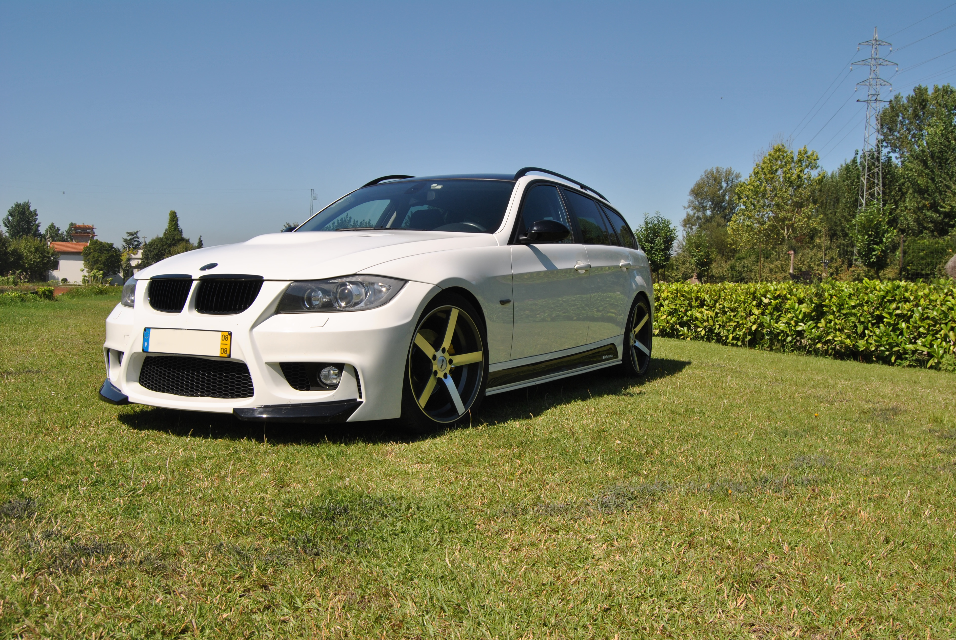 BMW E91 by Modderna