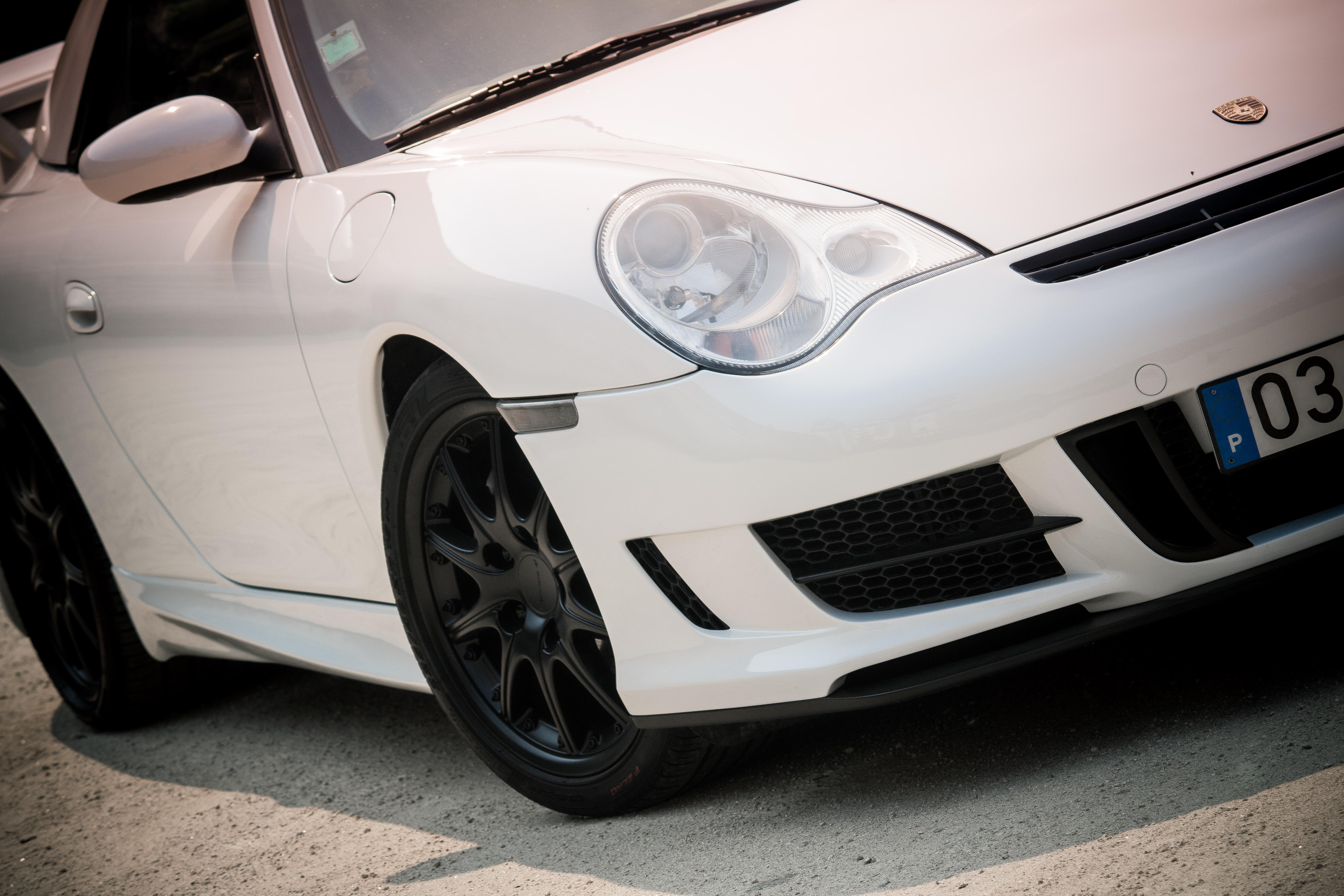 2003 Porsche Carrera 4 by Modderna